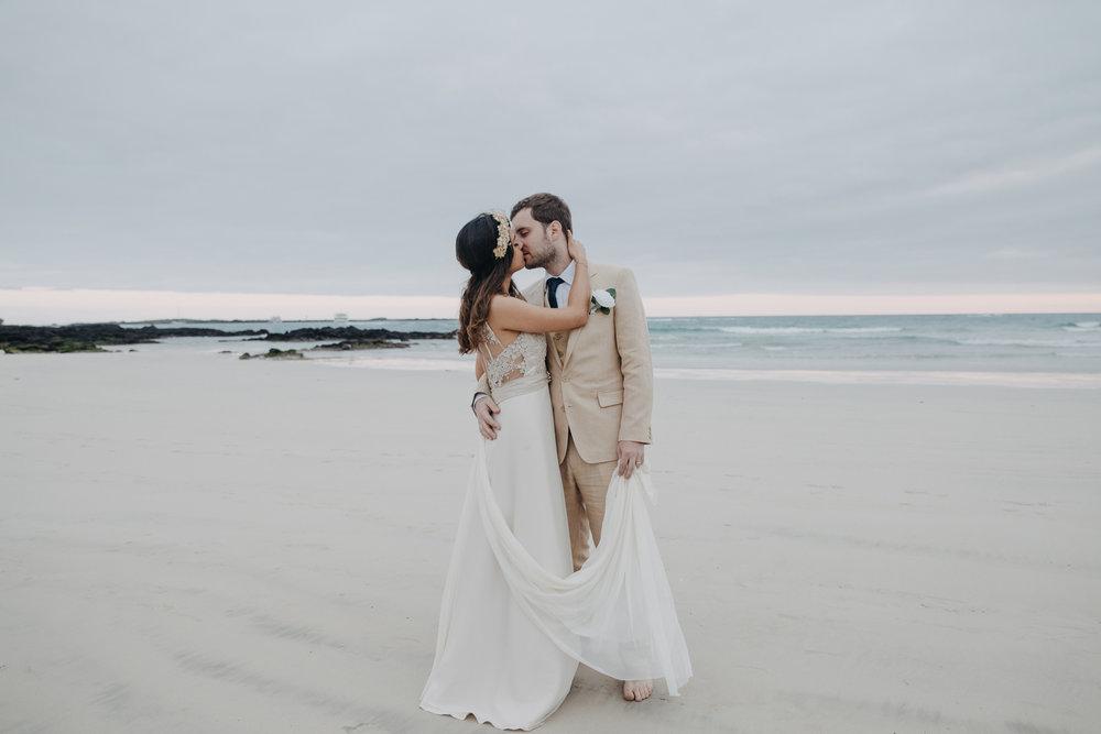 Michelle-Agurto-Fotografia-Bodas-Ecuador-Destination-Wedding-Photographer-Galapagos-Andrea-Joaquin-191.JPG