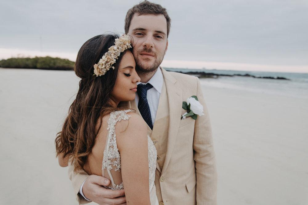Michelle-Agurto-Fotografia-Bodas-Ecuador-Destination-Wedding-Photographer-Galapagos-Andrea-Joaquin-202.JPG