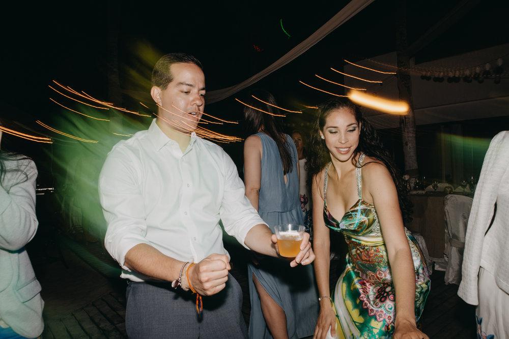 Michelle-Agurto-Fotografia-Bodas-Ecuador-Destination-Wedding-Photographer-Galapagos-Andrea-Joaquin-474.JPG
