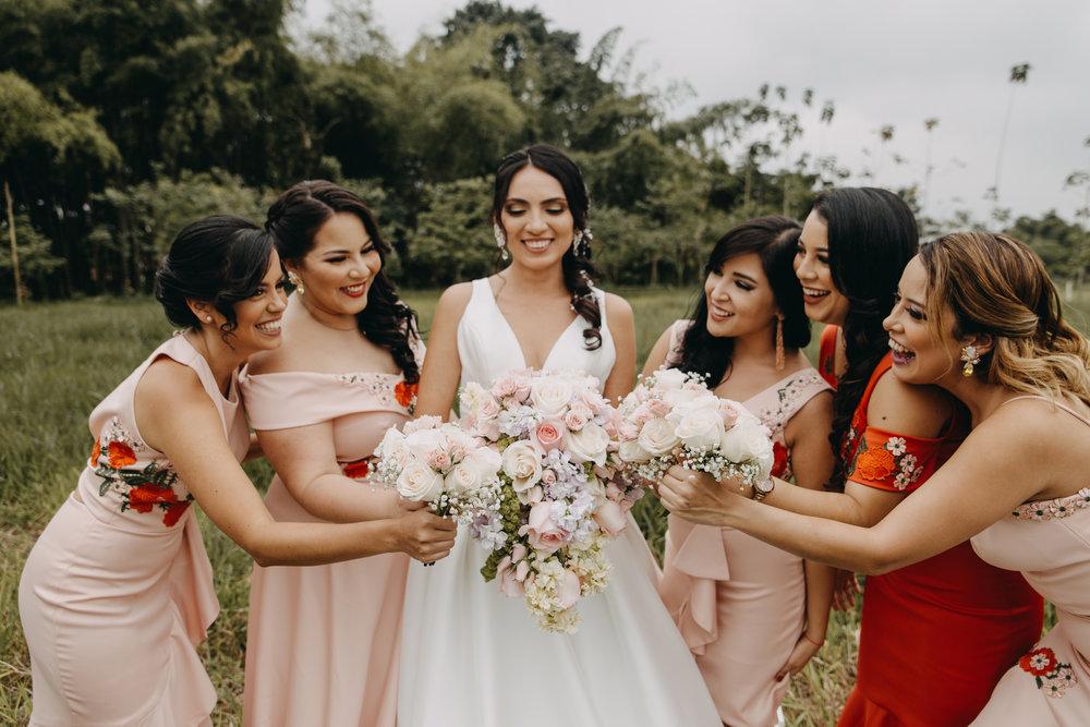 Michelle-Agurto-Fotografia-Bodas-Ecuador-Destination-Wedding-Photographer-Sol-Matthias-28.JPG