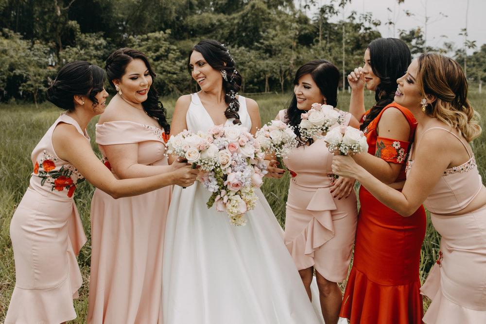 Michelle-Agurto-Fotografia-Bodas-Ecuador-Destination-Wedding-Photographer-Sol-Matthias-31.JPG