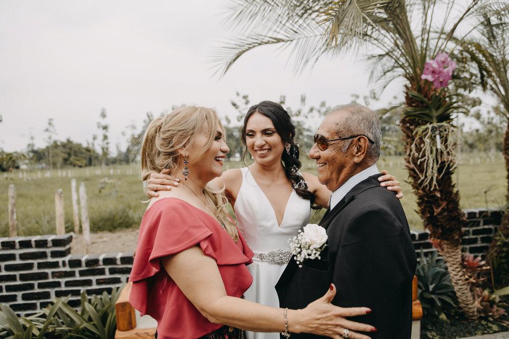 Michelle-Agurto-Fotografia-Bodas-Ecuador-Destination-Wedding-Photographer-Sol-Matthias-66.JPG