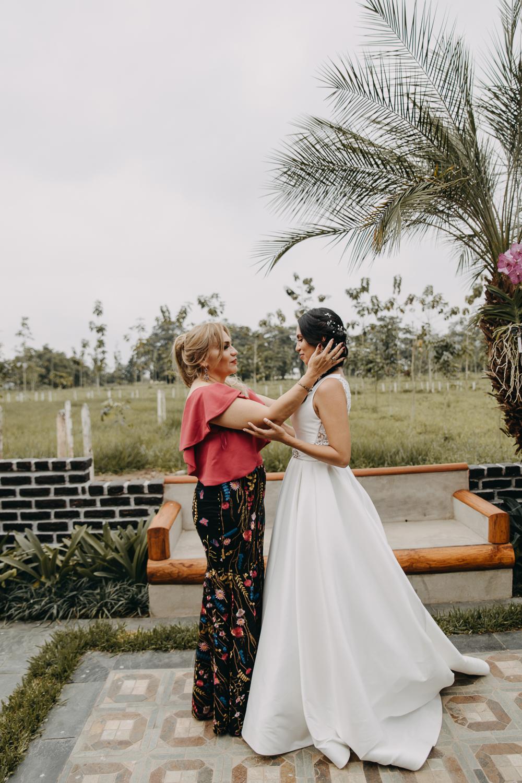 Michelle-Agurto-Fotografia-Bodas-Ecuador-Destination-Wedding-Photographer-Sol-Matthias-70.JPG