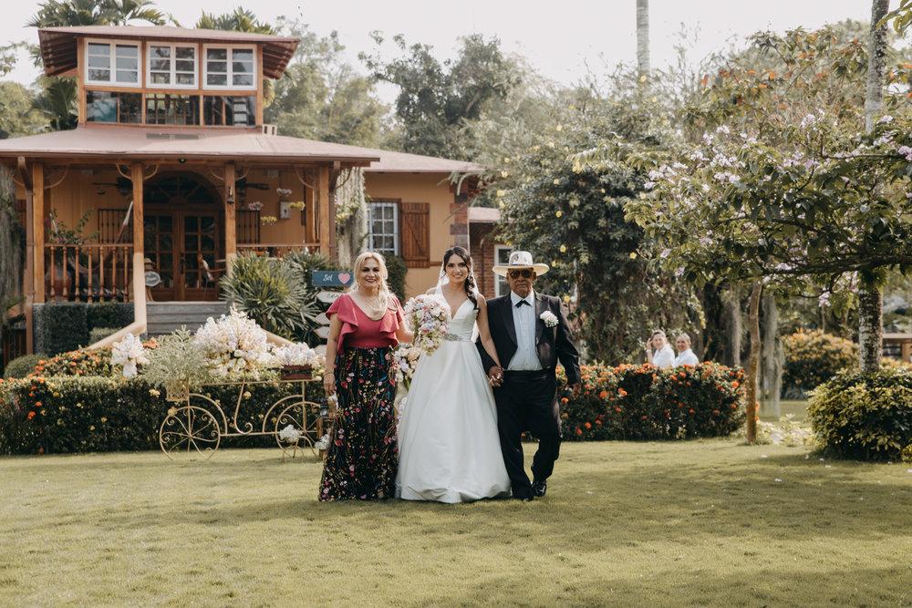 Michelle-Agurto-Fotografia-Bodas-Ecuador-Destination-Wedding-Photographer-Sol-Matthias-97.JPG