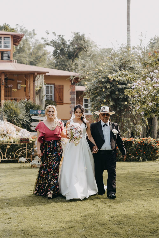 Michelle-Agurto-Fotografia-Bodas-Ecuador-Destination-Wedding-Photographer-Sol-Matthias-99.JPG
