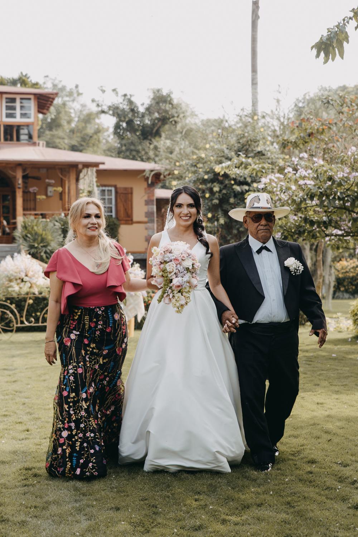 Michelle-Agurto-Fotografia-Bodas-Ecuador-Destination-Wedding-Photographer-Sol-Matthias-102.JPG
