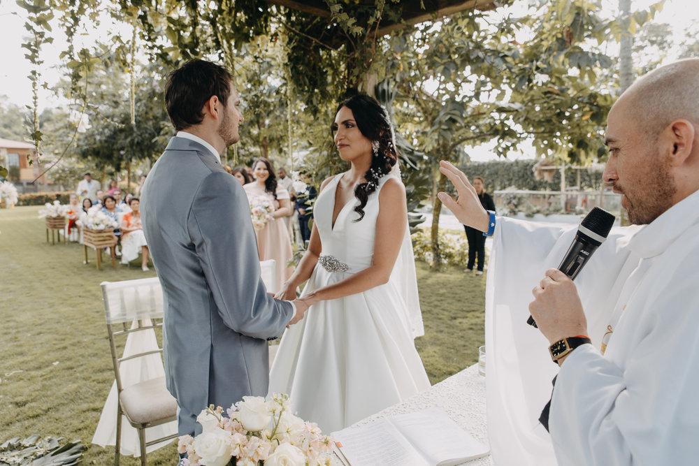 Michelle-Agurto-Fotografia-Bodas-Ecuador-Destination-Wedding-Photographer-Sol-Matthias-119.JPG