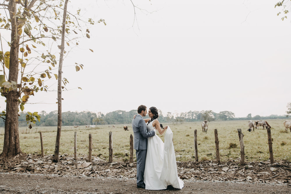 Michelle-Agurto-Fotografia-Bodas-Ecuador-Destination-Wedding-Photographer-Sol-Matthias-171.JPG