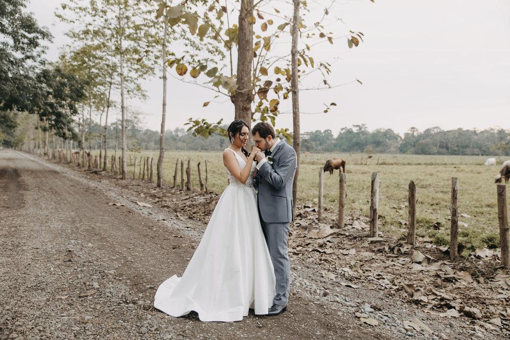 Michelle-Agurto-Fotografia-Bodas-Ecuador-Destination-Wedding-Photographer-Sol-Matthias-185.JPG