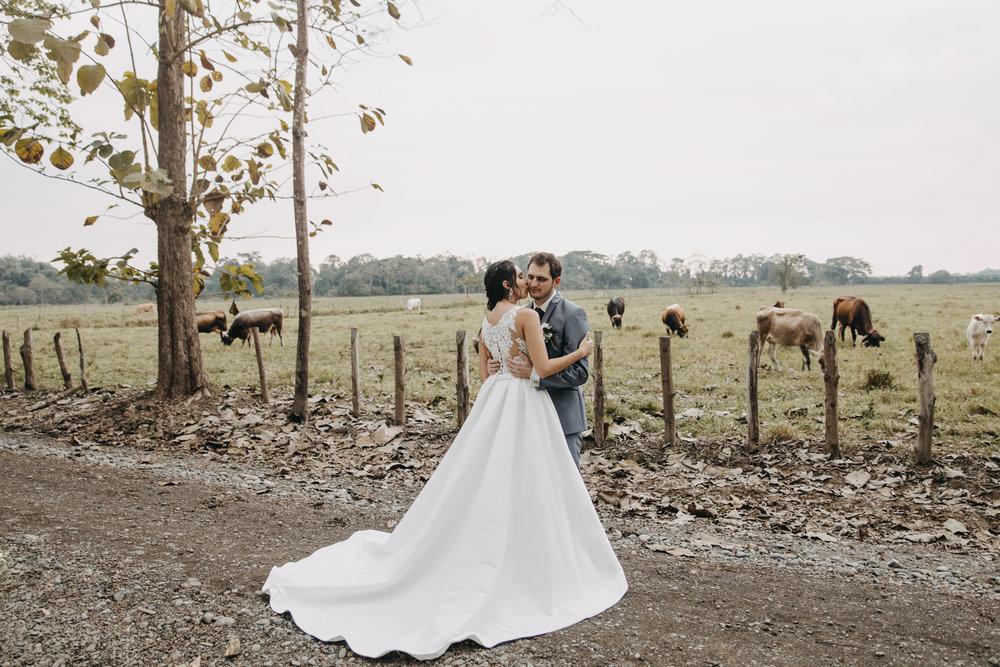 Michelle-Agurto-Fotografia-Bodas-Ecuador-Destination-Wedding-Photographer-Sol-Matthias-194.JPG