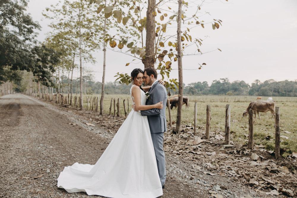 Michelle-Agurto-Fotografia-Bodas-Ecuador-Destination-Wedding-Photographer-Sol-Matthias-195.JPG