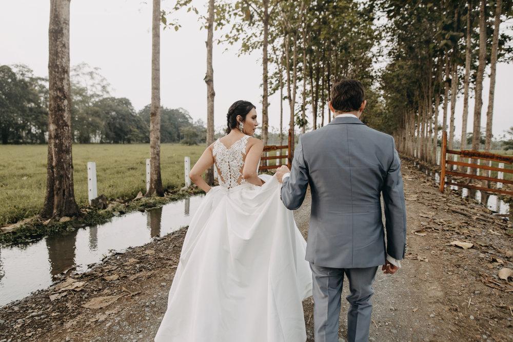 Michelle-Agurto-Fotografia-Bodas-Ecuador-Destination-Wedding-Photographer-Sol-Matthias-210.JPG