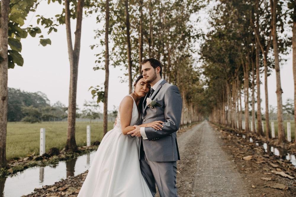 Michelle-Agurto-Fotografia-Bodas-Ecuador-Destination-Wedding-Photographer-Sol-Matthias-220.JPG