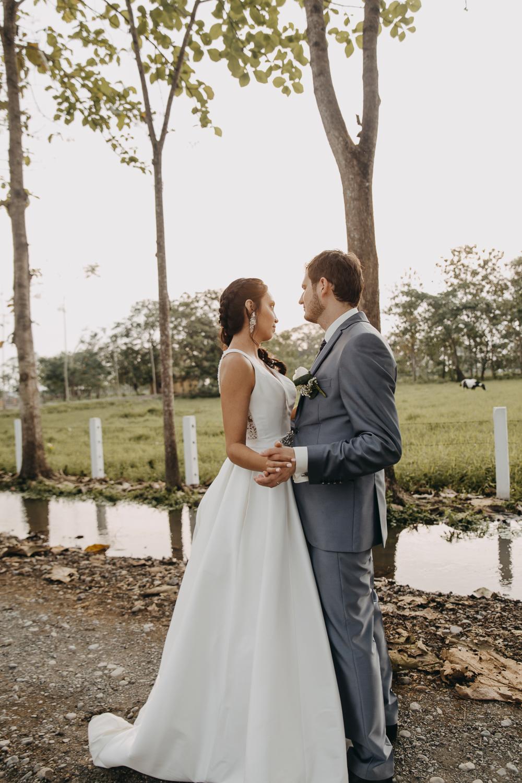 Michelle-Agurto-Fotografia-Bodas-Ecuador-Destination-Wedding-Photographer-Sol-Matthias-225.JPG