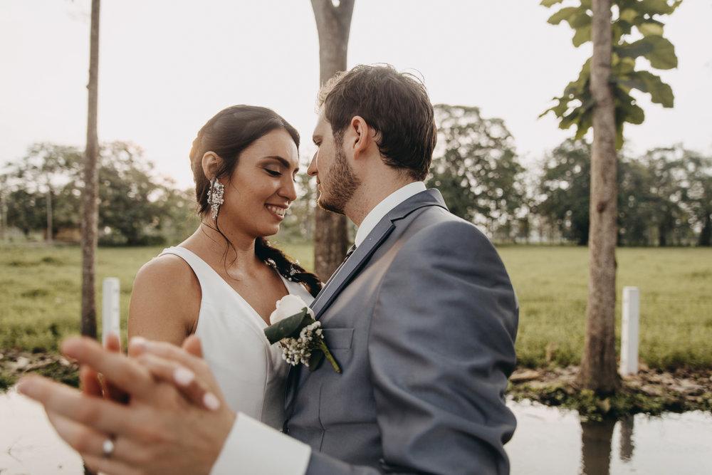 Michelle-Agurto-Fotografia-Bodas-Ecuador-Destination-Wedding-Photographer-Sol-Matthias-226.JPG