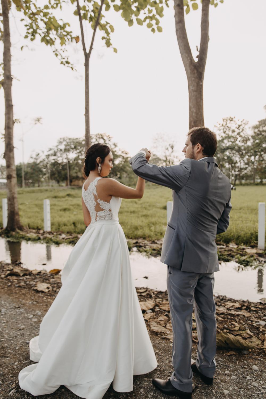 Michelle-Agurto-Fotografia-Bodas-Ecuador-Destination-Wedding-Photographer-Sol-Matthias-231.JPG