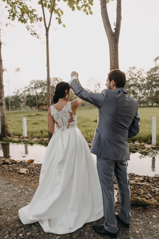 Michelle-Agurto-Fotografia-Bodas-Ecuador-Destination-Wedding-Photographer-Sol-Matthias-233.JPG