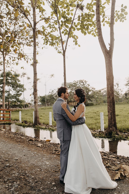 Michelle-Agurto-Fotografia-Bodas-Ecuador-Destination-Wedding-Photographer-Sol-Matthias-242.JPG