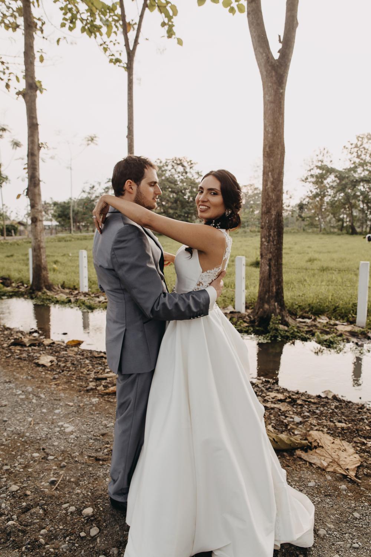 Michelle-Agurto-Fotografia-Bodas-Ecuador-Destination-Wedding-Photographer-Sol-Matthias-247.JPG