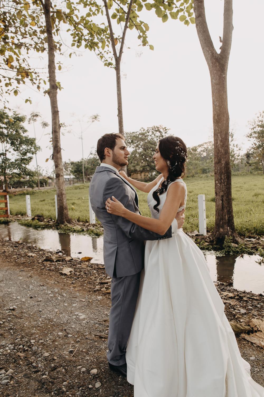 Michelle-Agurto-Fotografia-Bodas-Ecuador-Destination-Wedding-Photographer-Sol-Matthias-246.JPG