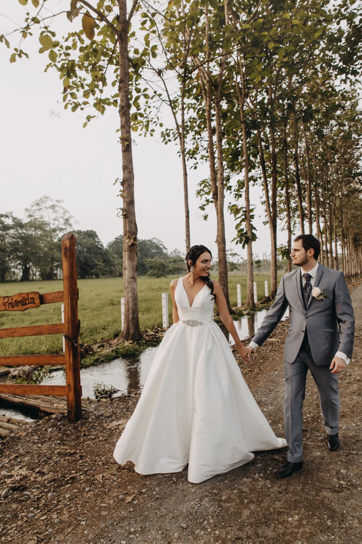 Michelle-Agurto-Fotografia-Bodas-Ecuador-Destination-Wedding-Photographer-Sol-Matthias-249.JPG