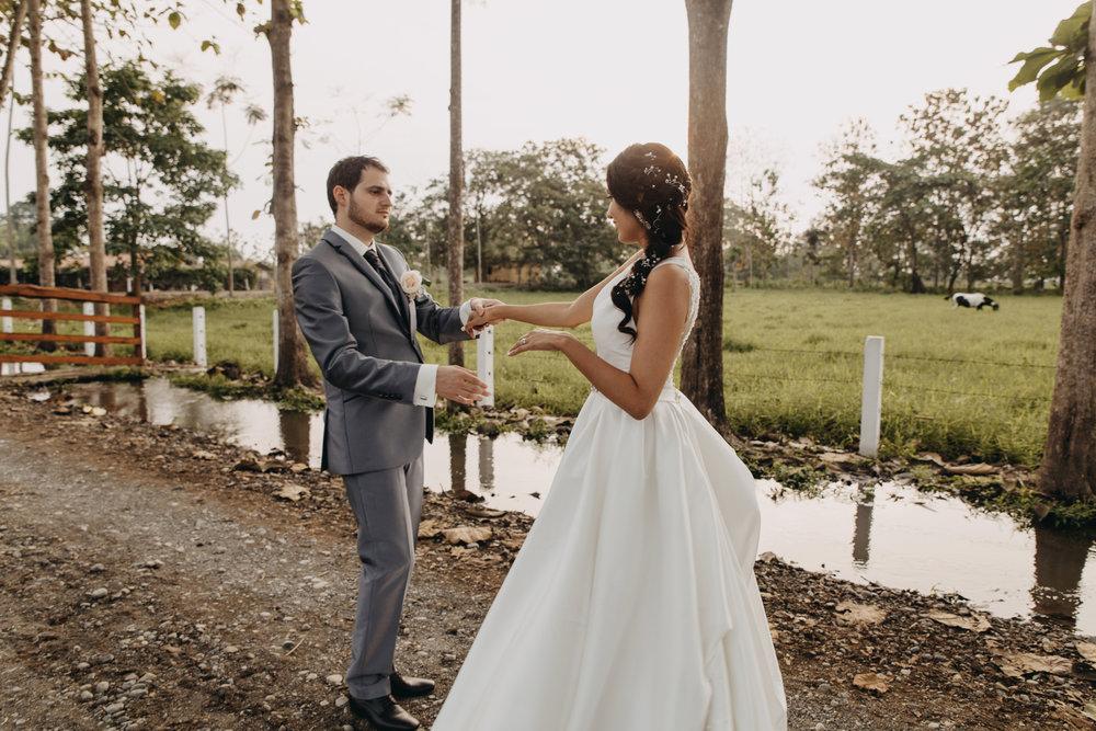 Michelle-Agurto-Fotografia-Bodas-Ecuador-Destination-Wedding-Photographer-Sol-Matthias-248.JPG