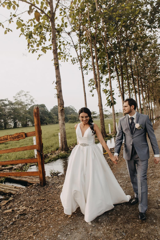 Michelle-Agurto-Fotografia-Bodas-Ecuador-Destination-Wedding-Photographer-Sol-Matthias-250.JPG
