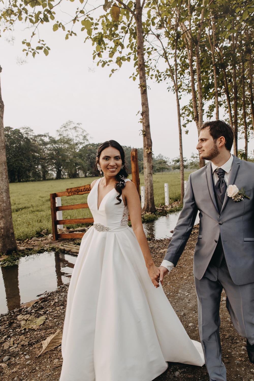 Michelle-Agurto-Fotografia-Bodas-Ecuador-Destination-Wedding-Photographer-Sol-Matthias-252.JPG