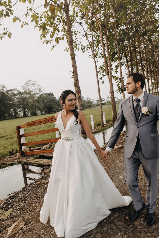 Michelle-Agurto-Fotografia-Bodas-Ecuador-Destination-Wedding-Photographer-Sol-Matthias-251.JPG