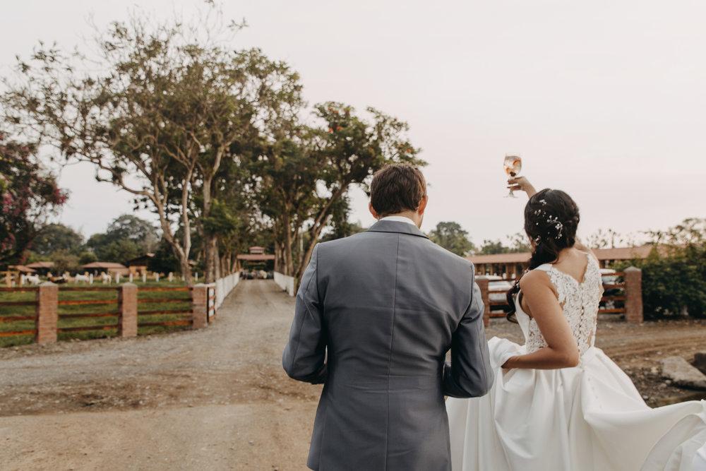 Michelle-Agurto-Fotografia-Bodas-Ecuador-Destination-Wedding-Photographer-Sol-Matthias-253.JPG