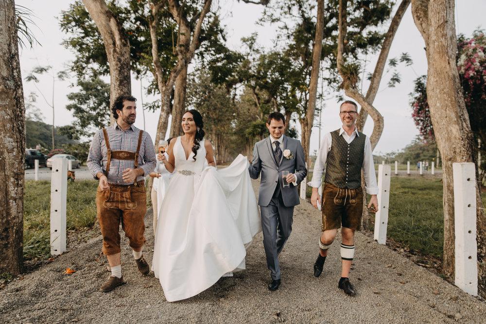 Michelle-Agurto-Fotografia-Bodas-Ecuador-Destination-Wedding-Photographer-Sol-Matthias-255.JPG