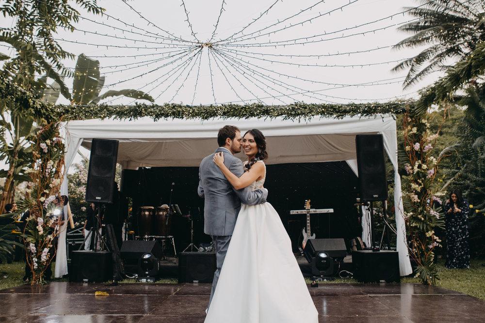 Michelle-Agurto-Fotografia-Bodas-Ecuador-Destination-Wedding-Photographer-Sol-Matthias-294.JPG