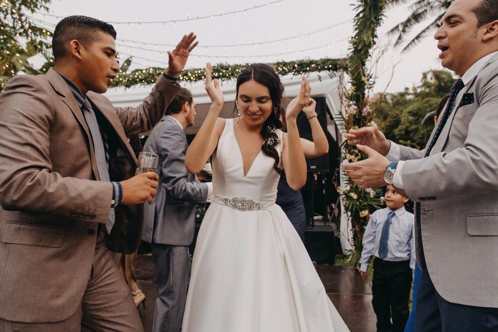 Michelle-Agurto-Fotografia-Bodas-Ecuador-Destination-Wedding-Photographer-Sol-Matthias-303.JPG