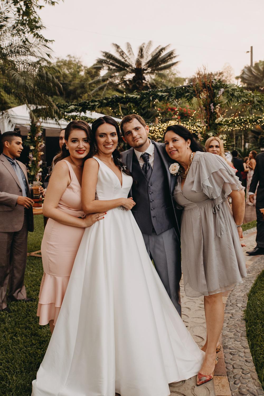Michelle-Agurto-Fotografia-Bodas-Ecuador-Destination-Wedding-Photographer-Sol-Matthias-305.JPG