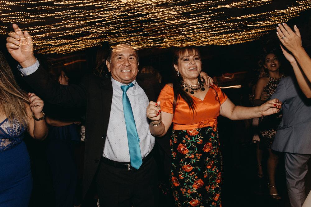 Michelle-Agurto-Fotografia-Bodas-Ecuador-Destination-Wedding-Photographer-Sol-Matthias-357.JPG
