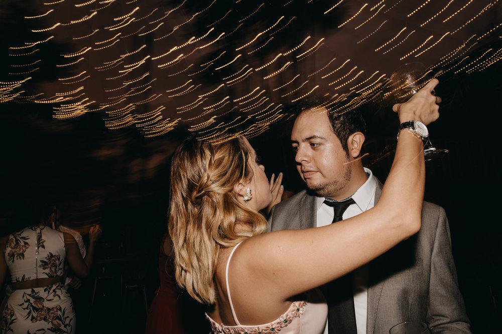 Michelle-Agurto-Fotografia-Bodas-Ecuador-Destination-Wedding-Photographer-Sol-Matthias-359.JPG