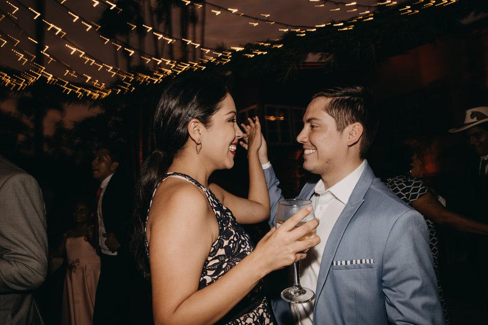 Michelle-Agurto-Fotografia-Bodas-Ecuador-Destination-Wedding-Photographer-Sol-Matthias-361.JPG