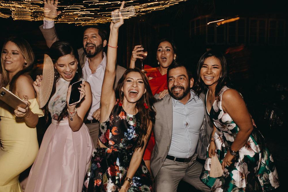 Michelle-Agurto-Fotografia-Bodas-Ecuador-Destination-Wedding-Photographer-Sol-Matthias-368.JPG