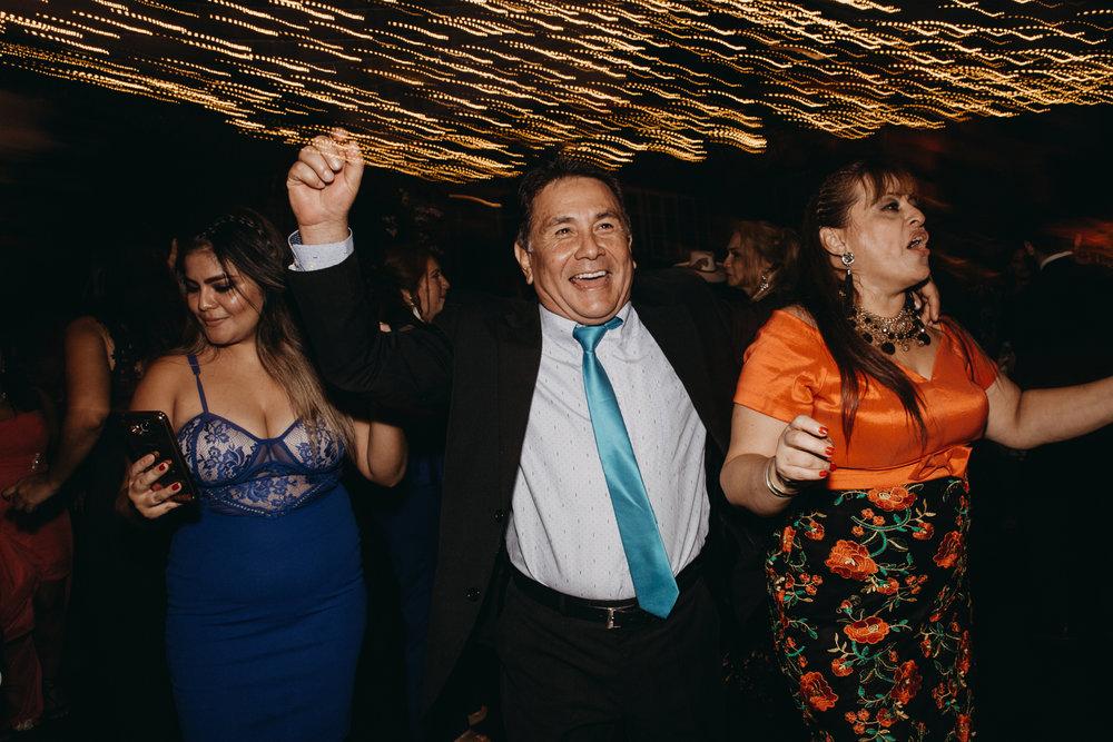 Michelle-Agurto-Fotografia-Bodas-Ecuador-Destination-Wedding-Photographer-Sol-Matthias-374.JPG