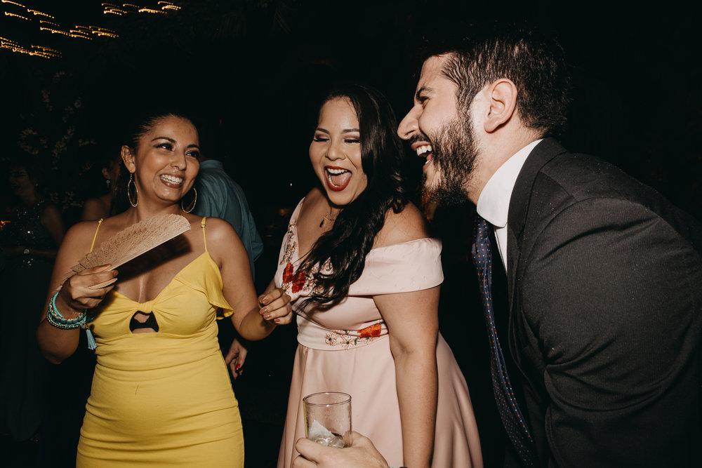 Michelle-Agurto-Fotografia-Bodas-Ecuador-Destination-Wedding-Photographer-Sol-Matthias-384.JPG