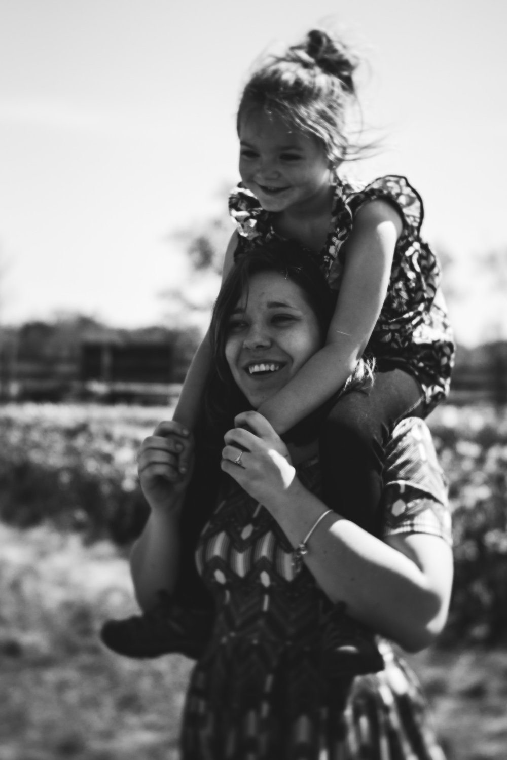 Kalamazoo-Photographer-Amanda-Schwab-Photography-Piggy-Back