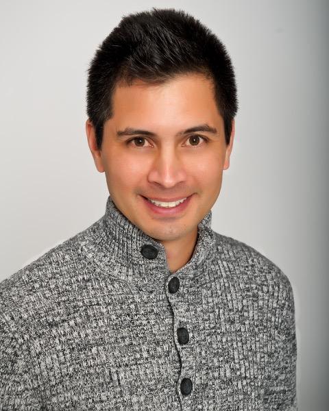 Rafael Musni Headshot_Portraits_DSC_8965 - Large (ZF-9940-02610-1-001).jpeg