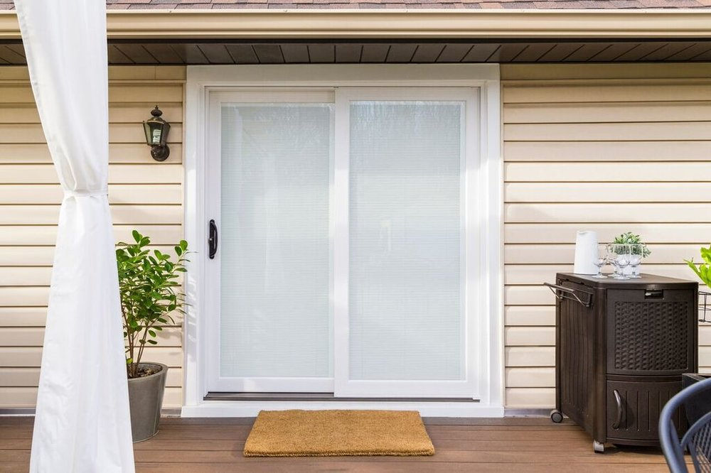 Inovo Exterior Deck Blinds Closed 2_preview.jpg