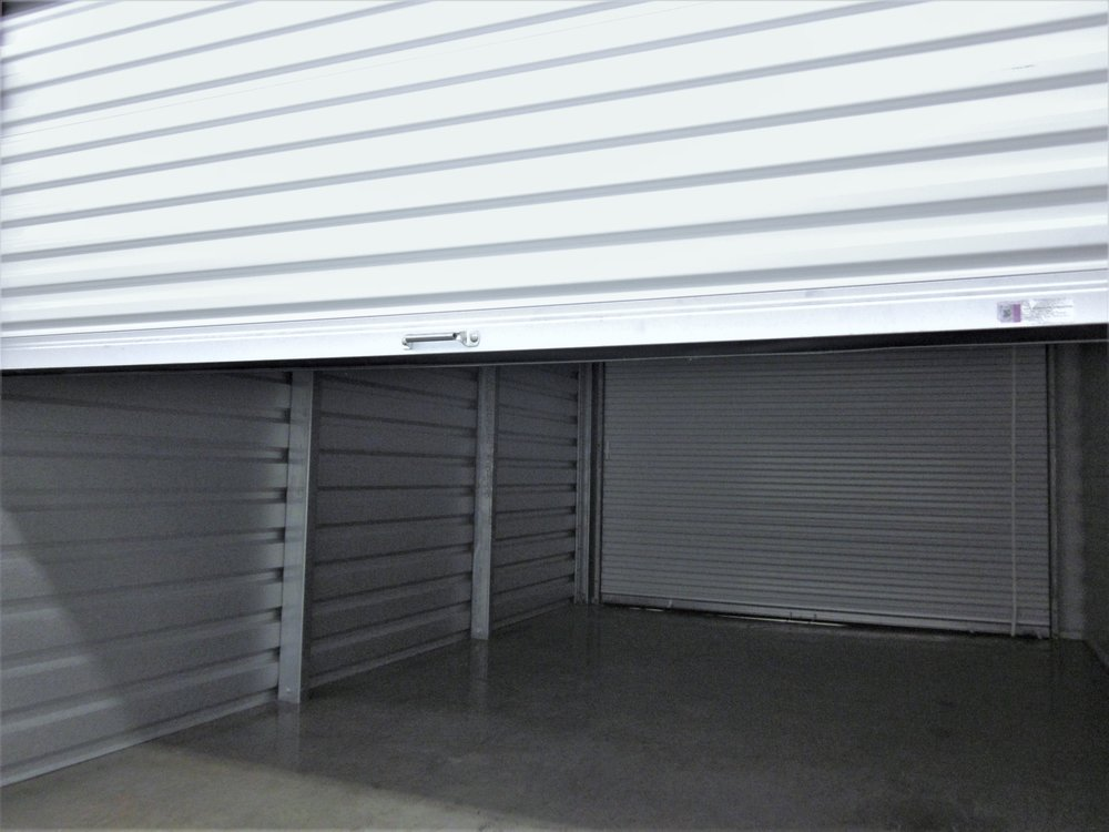 airportselfstorage2doorunit.JPG