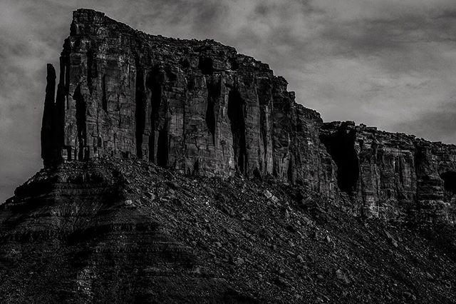 Eroding Beauty #utah #moab #desert #rock #stone #crumbling #crumble #erosion #dark #sky #valley #blackandwhite #monochromatic #nature #outdoors #wild #adventure #explore #travel #discover #hike #walk #run #travelmore #travelphotography #travelbug #landscape #naturephotography #igmasters