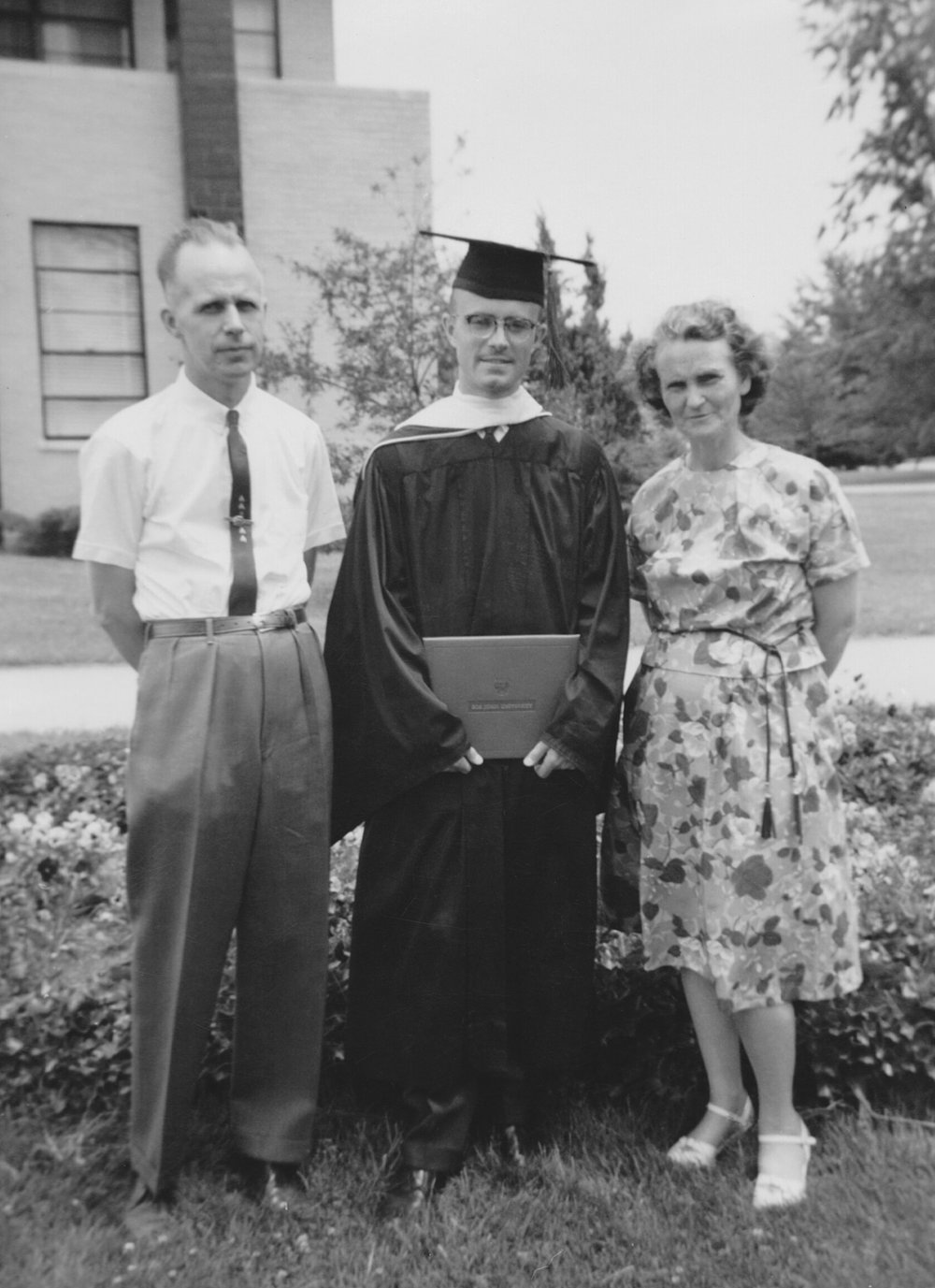 Bob Jones graduation 02.jpg