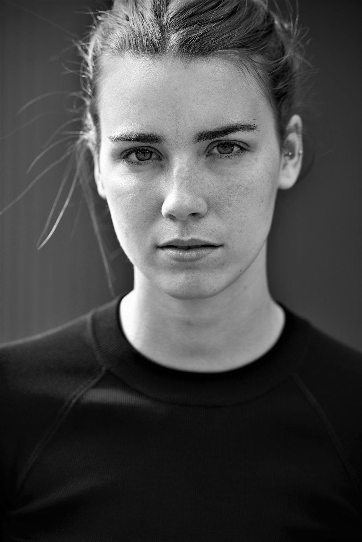 Lauren - 05 bw.jpg