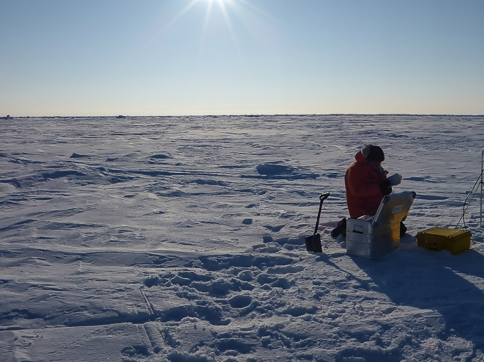 Configuring an Ice Mass Balance Buoy.
