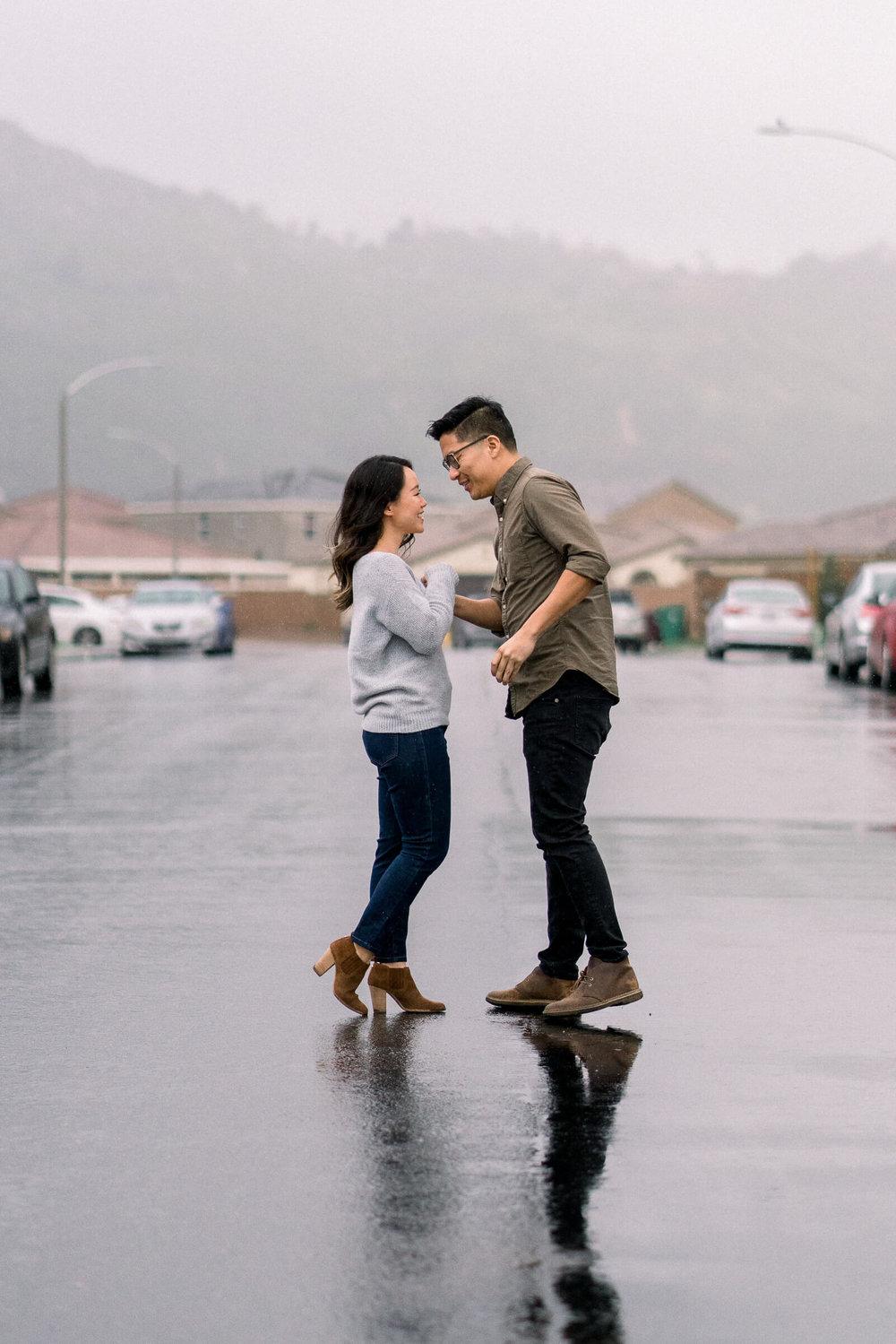 rainy-surprise-proposal-13.jpg