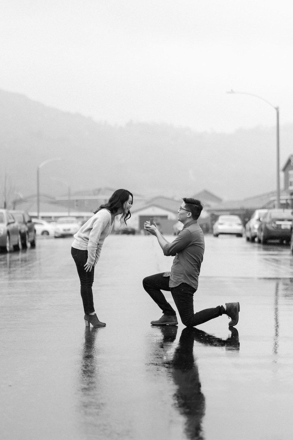rainy-surprise-proposal-19.jpg